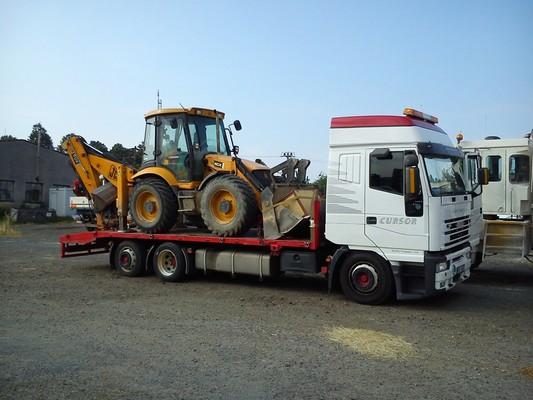 Přeprava traktorbagru Brno